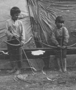 What Games Di Iroquois Kids Play